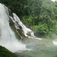 Crop 200 mae sa waterfall