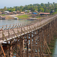 Crop 200 110523 sangkhlaburi saphan mon longest wooden bridge thailand img 4569
