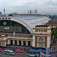 Crop 200 bangkok train station