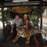 Crop 200 safari park open zoo