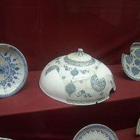 Crop 200 800px iznik museum  iznik ceramic