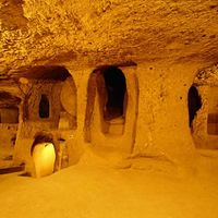 Crop 200 underground city in turkey derinkuyu
