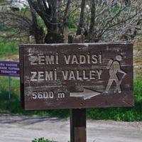 Crop 200 zemi valley