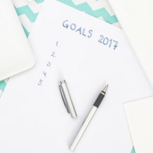 notepad that says goals 2017