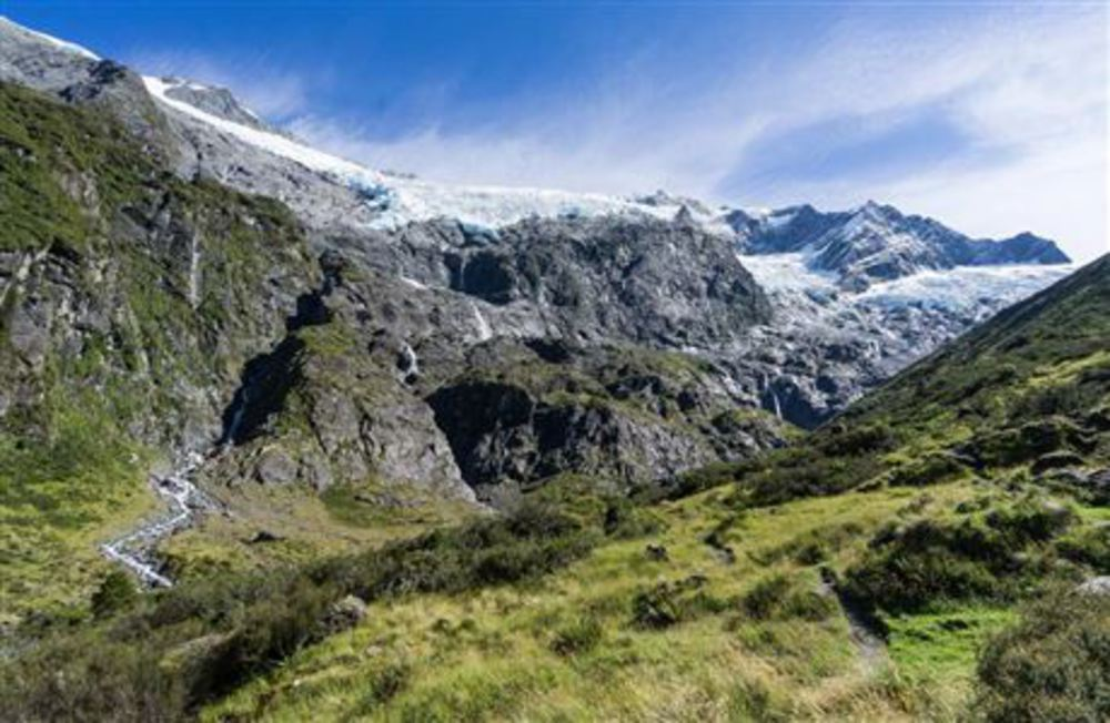 Rob Roy Track: Walking and tramping in Matukituki Valley area, Mount Aspiring National Park
