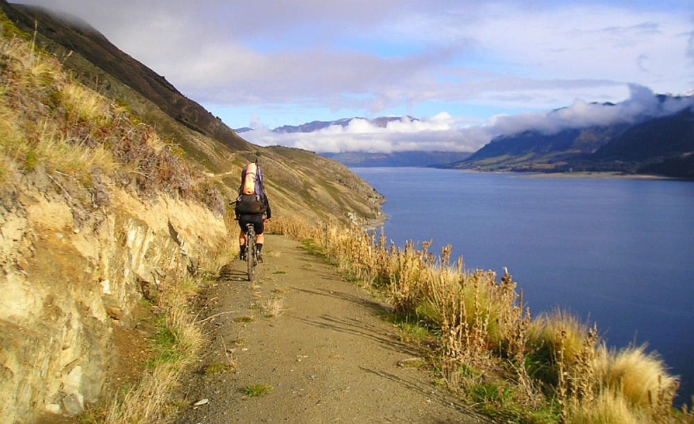 Grandview Mountain Track: Walking and tramping in Lake Hāwea area