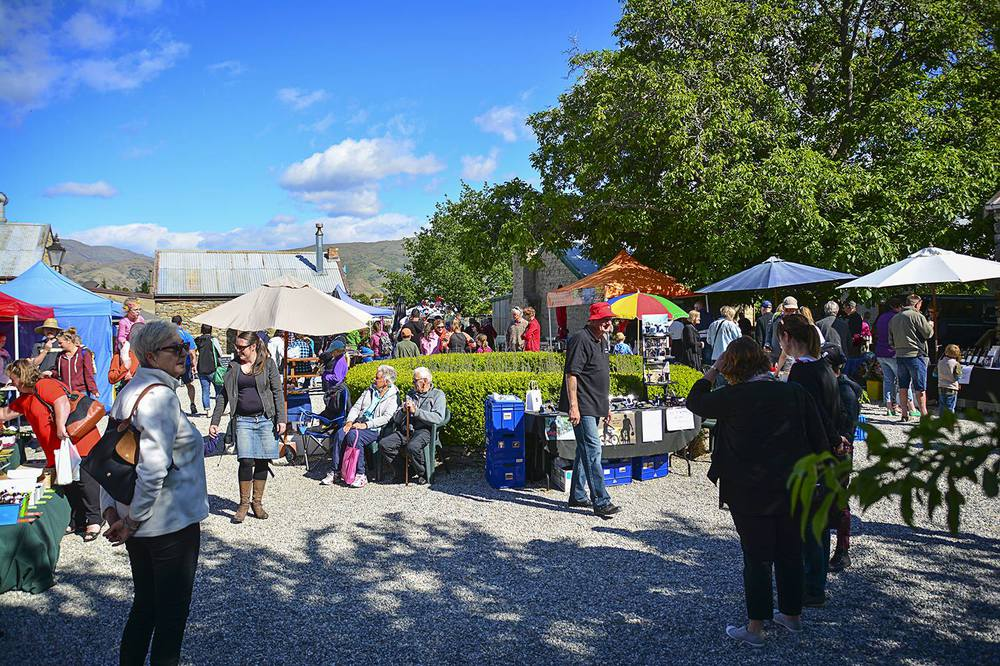 Cromwell Farmers Market in Queenstown on Sundays