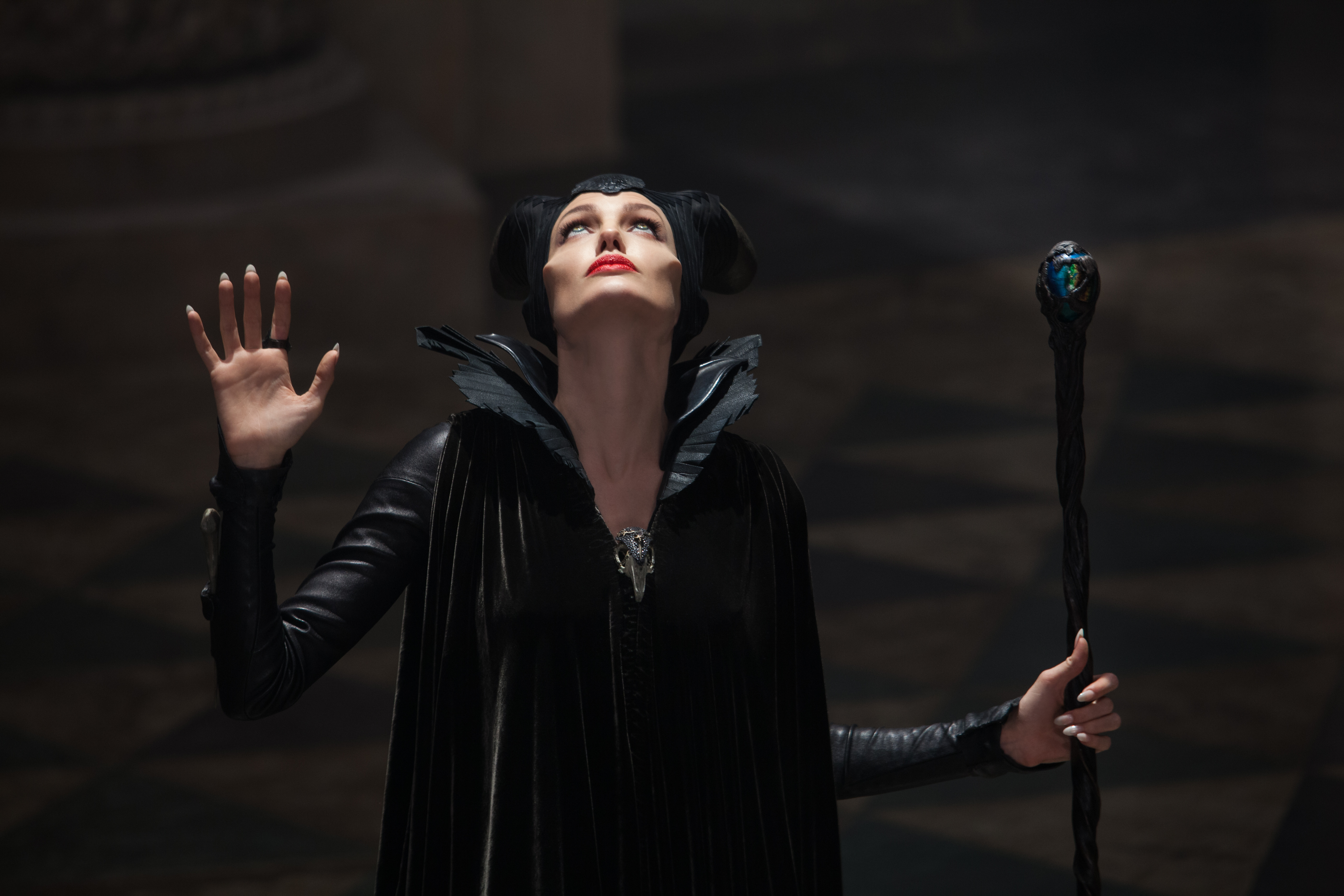 'maleficent', and, 'frozen', are, updating, classic, tales, in, an, incredibly, important, way,