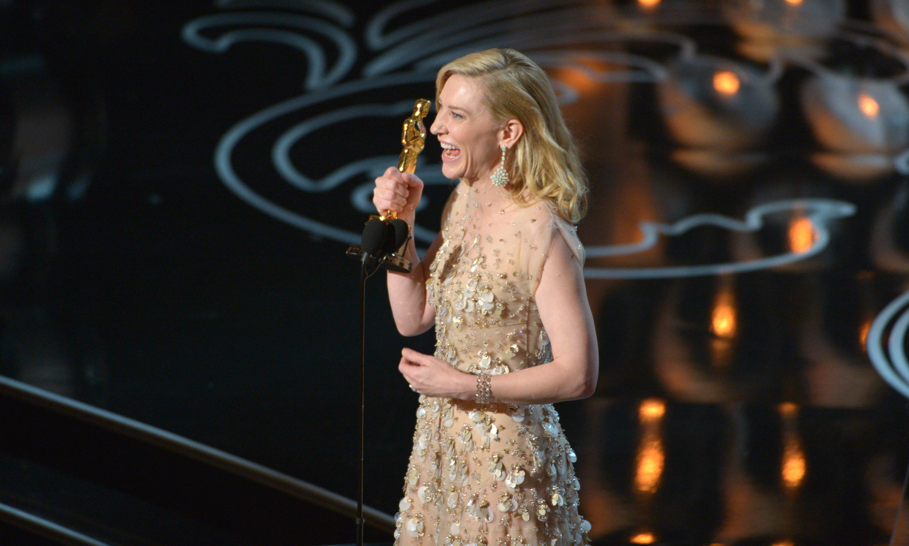 cate, blanchett, calls, out, hollywood's, sexism, in, epic, acceptance, speech,