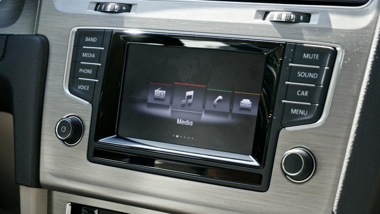 volkswagen mib1 infotainment system angellist. Black Bedroom Furniture Sets. Home Design Ideas