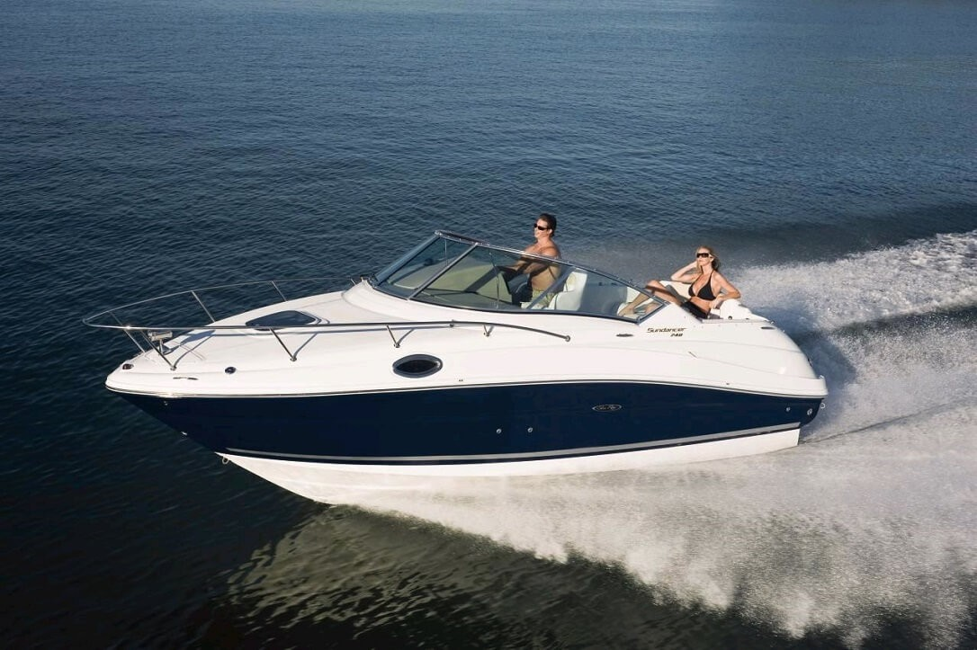 Used sea ray boat for sale buyers come to us for Sea ray motor yacht for sale