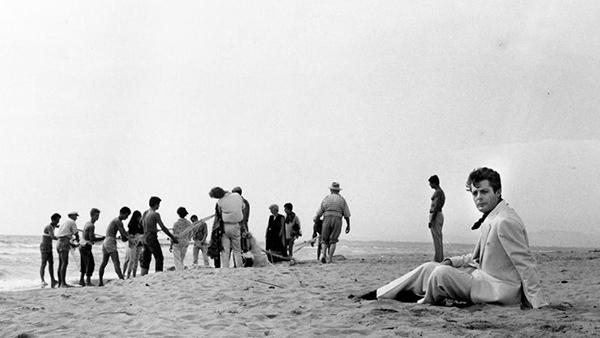 """Bopenminded Dolce Vita Lifestyle La Dolce Vita: """"la Dolce Vita"""" Beach From Final Scene In Passoscuro : La"""