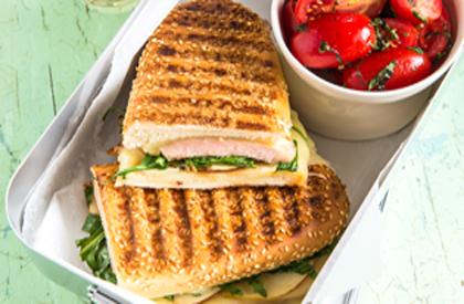 Photo de la recette de Sandwich panini au porc et à la roquette