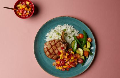 Photo de la recette de Côtelettes de porc et salsa mexicaine