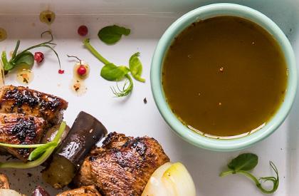 Photo de la recette de Marinade au vin blanc et aux herbes fraîches