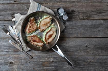Photo de la recette de Côtelettes de longe de porc farcies au fromage à la crème et aux épinards