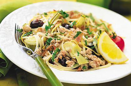 Photo de la recette de Linguines au porc aux artichauts et aux olives