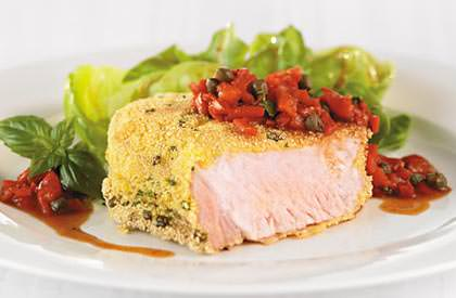 Photo de la recette de Steak de faux-filet en croûte de polenta et salsa de poivrons grillés