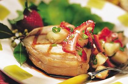 Photo de la recette de Tournedos de porc et salsa de fraises