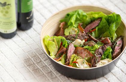 Photo de la recette de Bavettes de porc en salade fraîche
