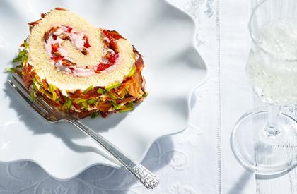 Photo de la recette de Bûche de Noël décadente bacon et fraises du chef Jonathan Garnier