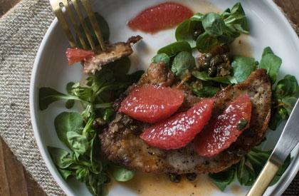 Photo de la recette de Escalopes de porc aux câpres et pamplemousse de 3 fois par jour