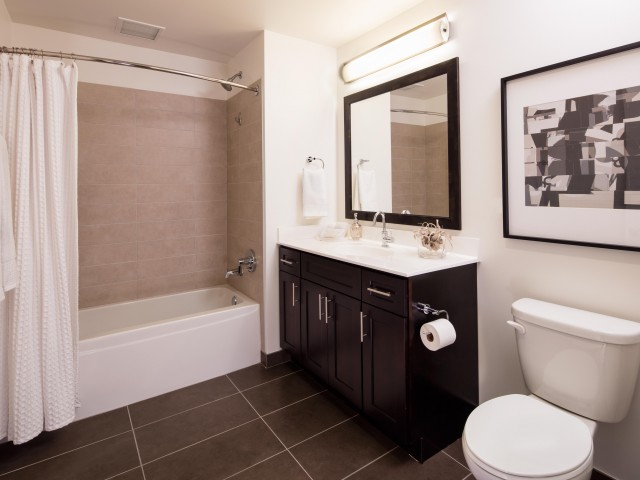 Best apartment hunting service in Chicago - 1225 Old Town