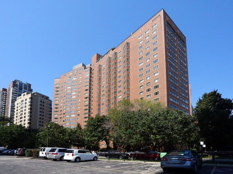 Apartments for rent in Chicago - 1350 N Lake Shore Dr