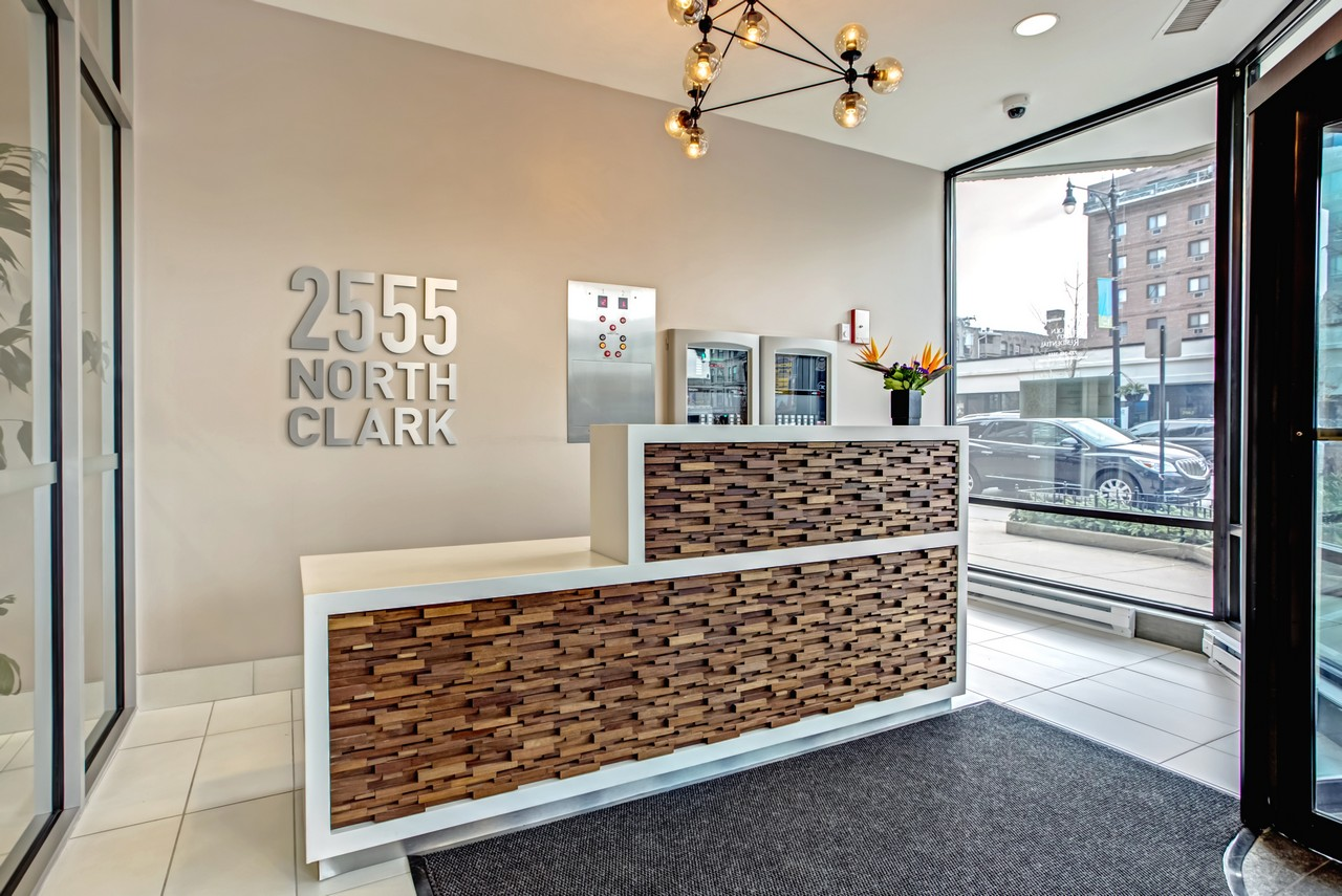 Best apartment hunting service in Chicago - 2555 North Clark