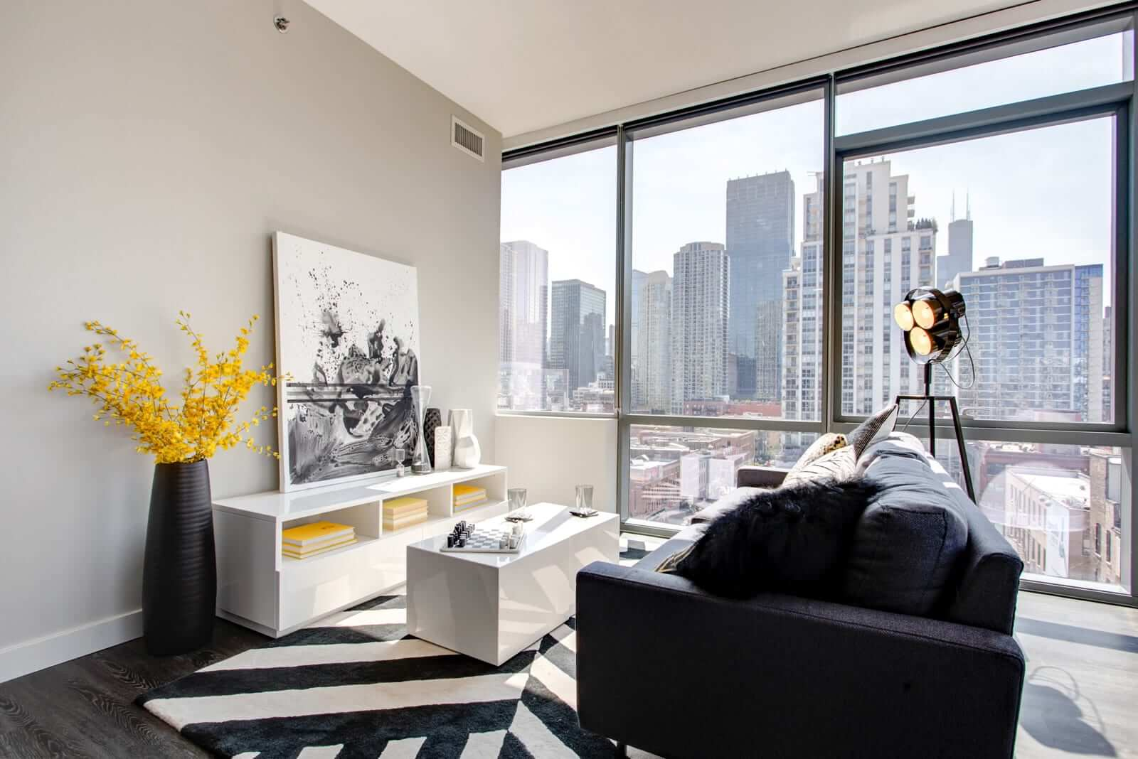Best apartment search website in Chicago - 640 North Wells