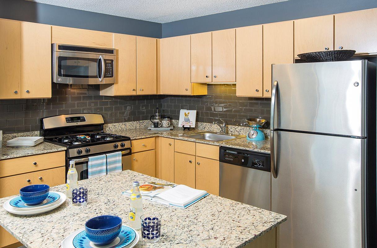 Best apartment search website in Chicago - Aqua Chicago