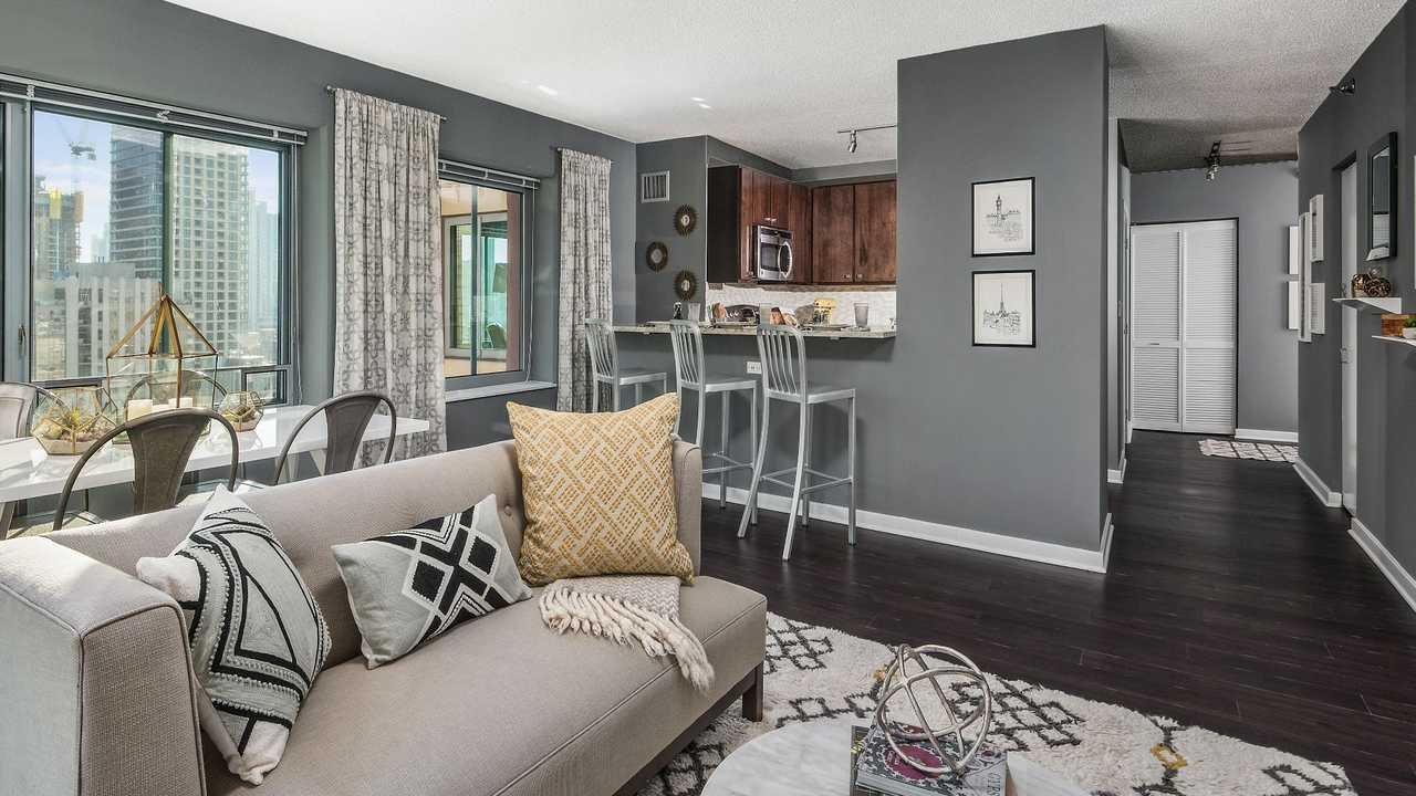 Best apartment hunting service in Chicago - Chestnut Tower