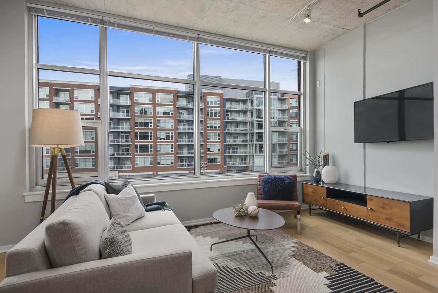 Best apartment search site in Chicago - Roosevelt Collection