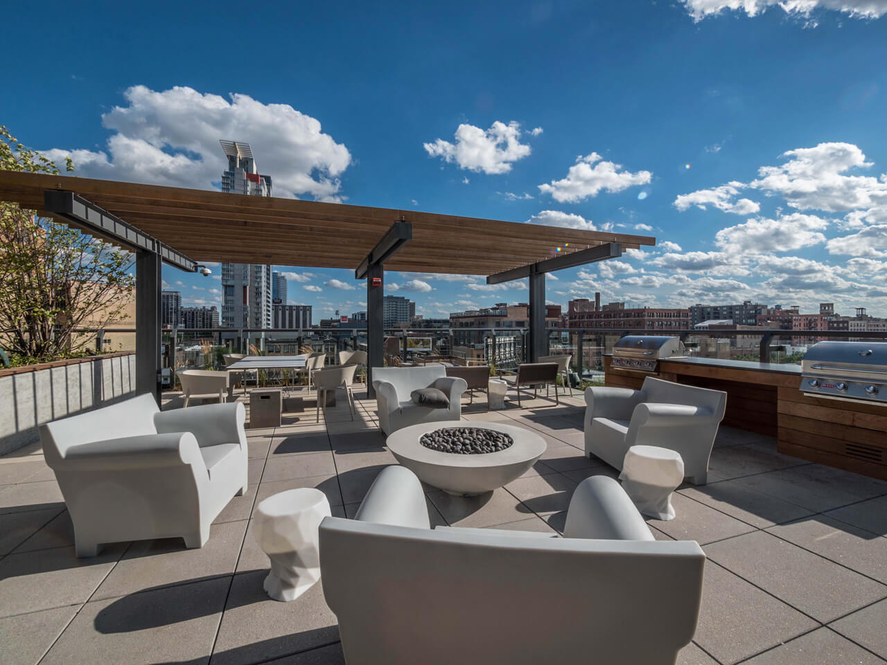 Best apartment search website in Chicago - The Parker Fulton Market