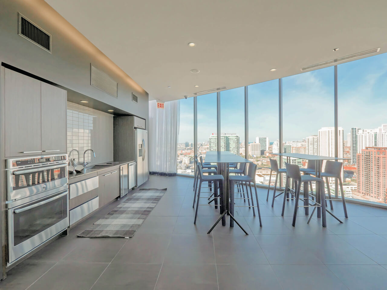 Best apartment rental service in Chicago - The Parker Fulton Market