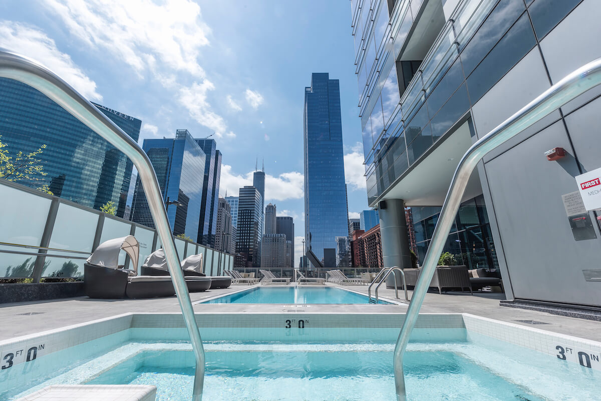 Best apartment hunting service in Chicago - Wolf Point West