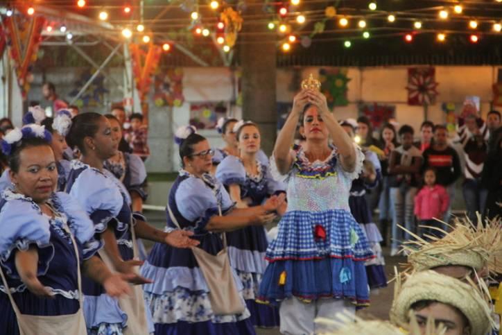Abertura do Arraiá de São João animou...maisAbertura do Arraiá de São João  animou a noite de sexta-feira (8) no Santuário.menos - Foto  Victor Hugo  Barros 6ccdf1f3393