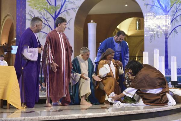 Cerimônia da Adoração no Dia Oracional no Santuário.
