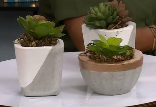 Veja como fazer vasinhos de cimento para decoração