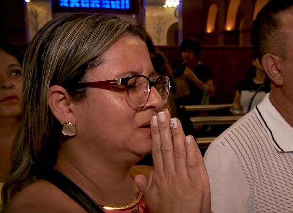 Entre Lágrimas e Sorrisos: testemunhos e histórias de devotos de Nossa Senhora
