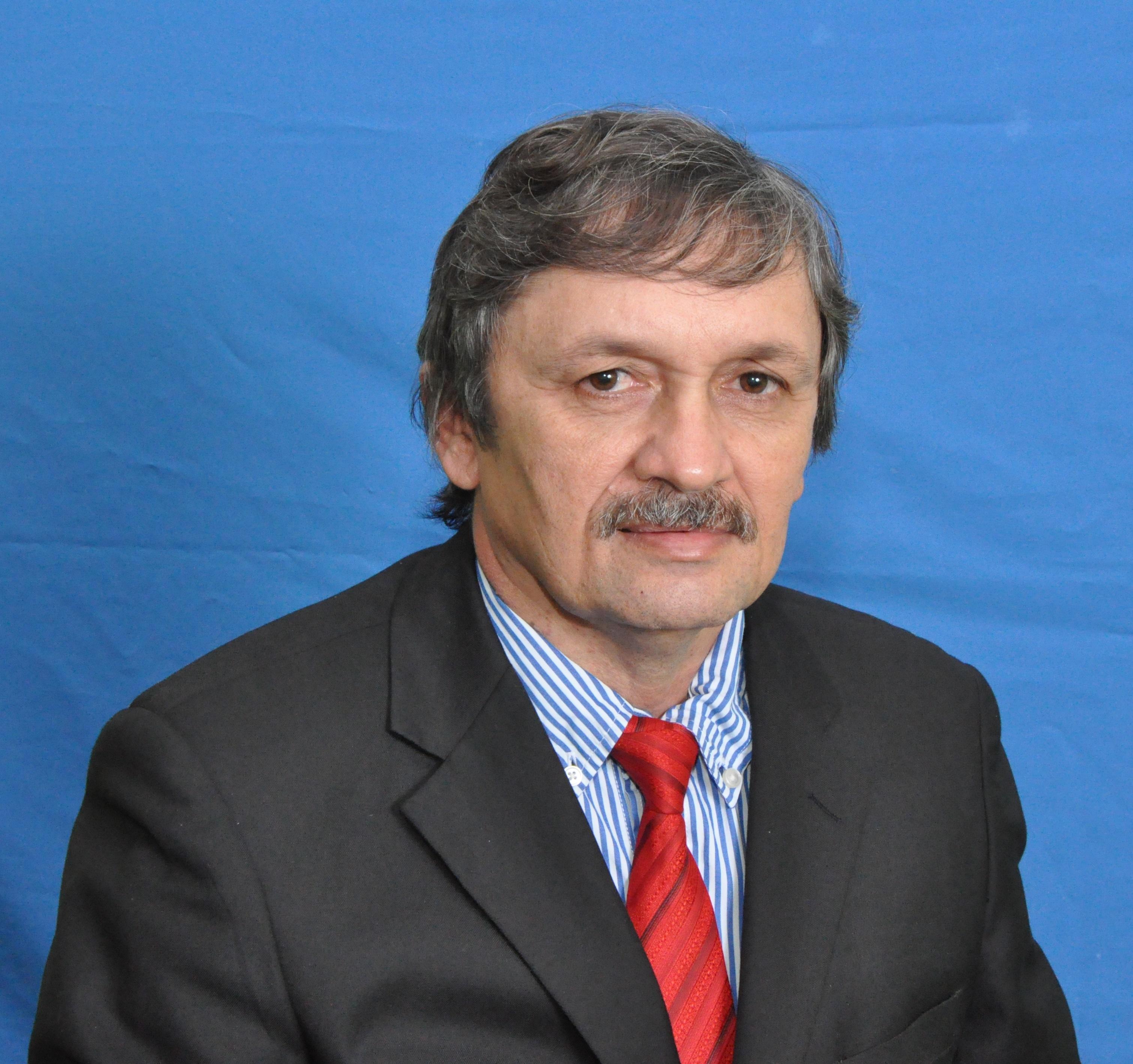 Edinardo Linhares Garcia (1º Tesoureiro)