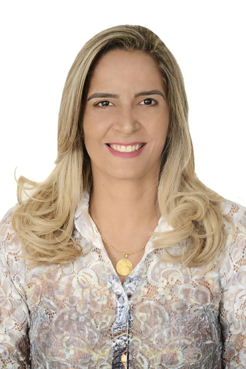 Jane Jadna Nobre de França Gomes (1ª Secretária)