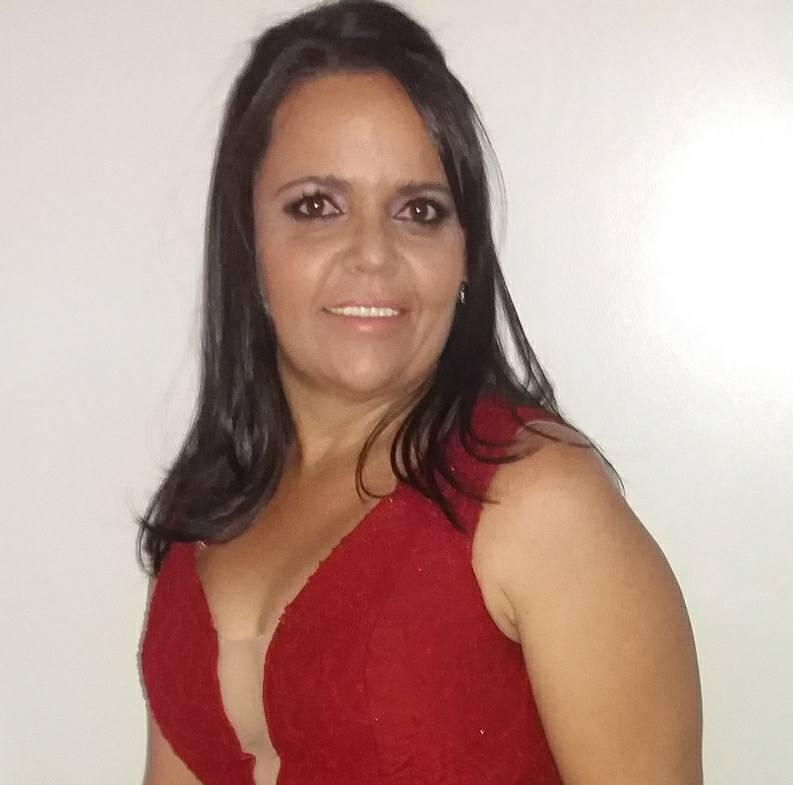 Adriana Alves Fernandes
