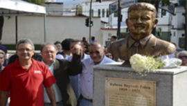 SENGE-RJ inaugura busto de Rubens Paiva
