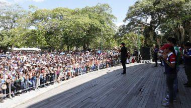 Programa social usa dança para manter juventude da Venezuela longe das drogas