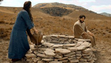 Jesus conversa com a mulher samaritana
