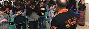 Como o Força Teen Universal ajuda os pré-adolescentes