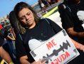 Em Alagoas, jovens carregavam cartazes com frases de conscientização