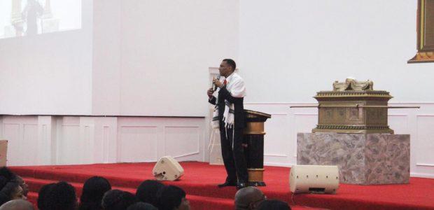 A reunião foi ministrada pelo Bispo Bira Fonseca