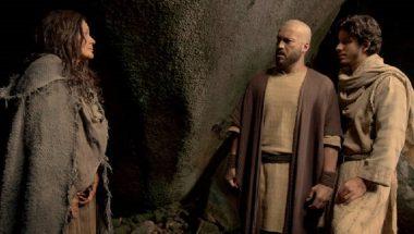 Cassandra é curada por intermédio de Simão Zelote e Judas Tadeu